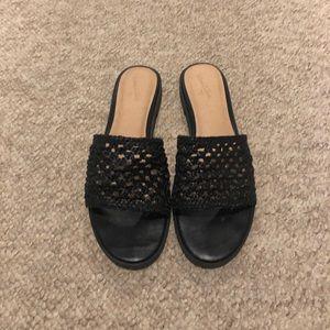 Universal Thread Black Sandals Size 9
